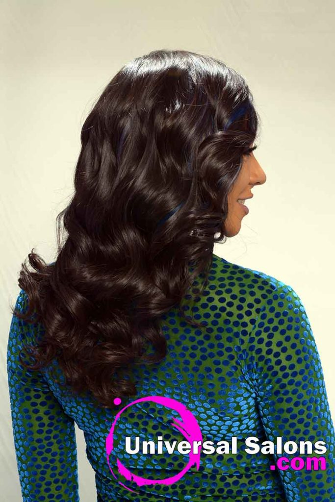 Long Hairstyle for Black Women With Soft Curls